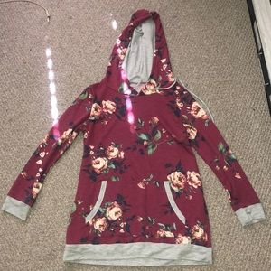 Cute floral sweater size Large